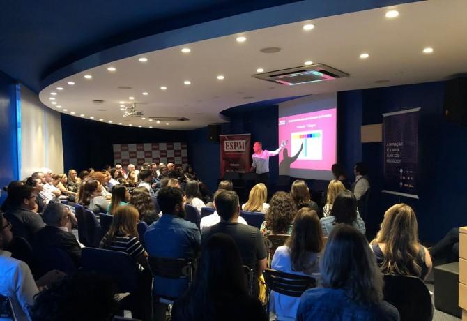 """ARP apresenta resultados da pesquisa """"A Fotografia do Marketing no RS"""" durante 3º Encontro de Grupos"""